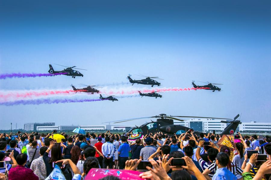 An air show during the China Helicopter Exposition hosted in Tianjin in 2015.  (Photo/Tianjin Municipal Information Office)