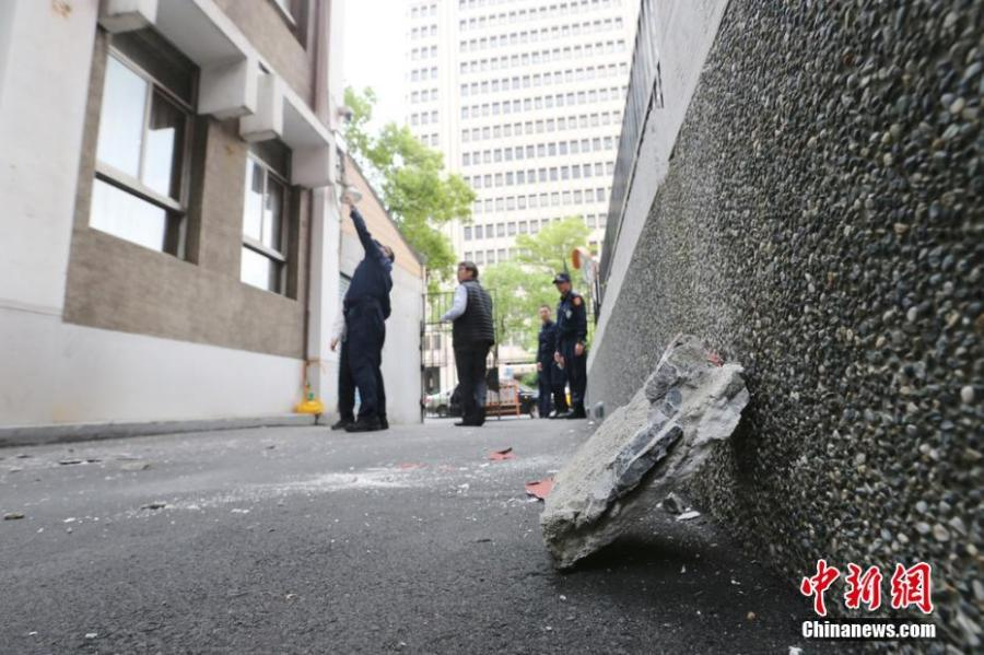 Debris are seen on the ground after a 6.7-magnitude earthquake hit Hualien, Taiwan, April 18, 2019. (Photo/IC)