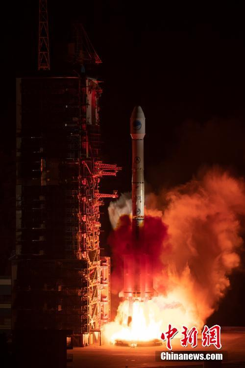 China sends a new satellite of the BeiDou Navigation Satellite System (BDS) into space from the Xichang Satellite Launch Center in Xichang, southwest China\'s Sichuan Province, April 20, 2019.  (Photo/China News Service)