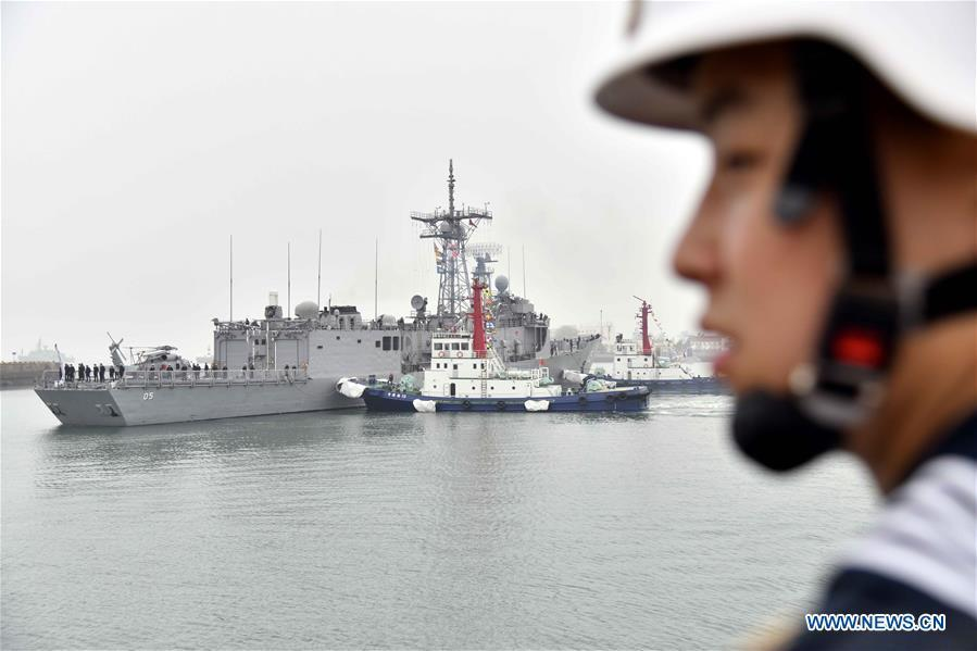Australian navy\'s guided missile frigate HMAS Melbourne arrives in the port city of Qingdao, east China\'s Shandong Province, April, 21, 2019, to join multinational naval events commemorating the 70th anniversary of the founding of the Chinese People\'s Liberation Army (PLA) Navy. The events will be held between April 22 and 25 and a naval parade will be held in Qingdao and nearby sea areas and airspace on April 23. (Xinhua/Guo Xulei)