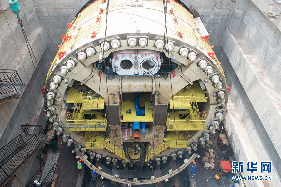 Intensive work to build the No 1 tunnel of the Jakarta-Bandung high-speed railway station Halim is underway round-the-clock to assemble a huge tunnel boring machine on March 20, 2019. (Photo/Xinhua)