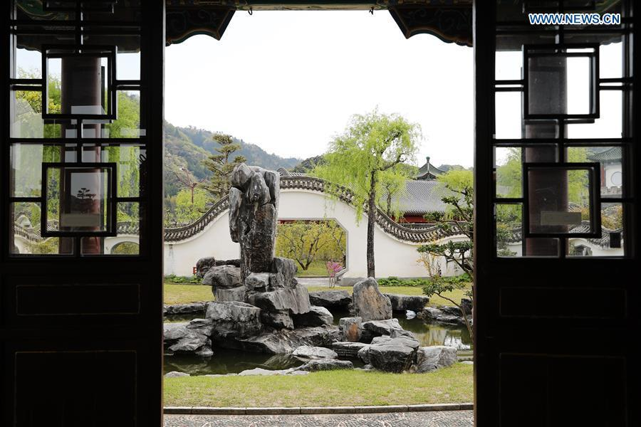 Photo taken on April 18, 2019 shows a view at the Encho-en garden in Tottori, Japan. Covering an area of about 10,000 square meters, Encho-en is one of the biggest full-scaled Chinese-style garden in Japan. It was built in 1995 to show the friendship between Tottori and north China\'s Hebei Province. The designing and materials procurement and processing took place in China. The main building was shop-assembled in China before the final assembly in Japan. All these steps were supervised by Chinese engineers. (Xinhua/Du Xiaoyi)
