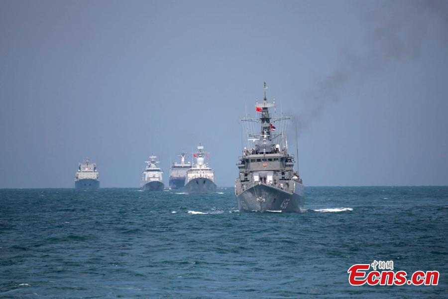 Naval vessels take part in a joint naval exercise on the sea off Qingdao, east China\'s Shandong Province, on April 26, 2019.  China conducted a joint naval exercise with Southeast Asian countries in Qingdao, with focus on jointly handling maritime emergency rescues. (Photo: China News Service/Li Chun)