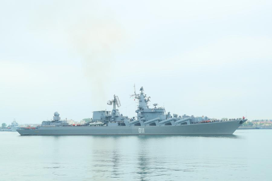 The guided missile cruiser Varyag, the flagship vessel of Russia\'s Pacific Fleet, arrives at Qingdao Port for a joint naval exercise on Monday, April 29, 2019. China and Russia will hold the Joint Sea 2019 naval exercise near Qingdao from April 29 until May 4. (Photo/China Plus)