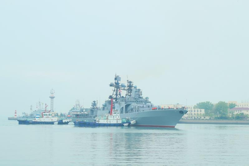 The large anti-submarine ship Admiral Tributs of the Russian navy arrives at Qingdao Port for the Sino-Russia Joint Sea 2019 naval exercise on Monday, April 29, 2019. (Photo/China Plus)