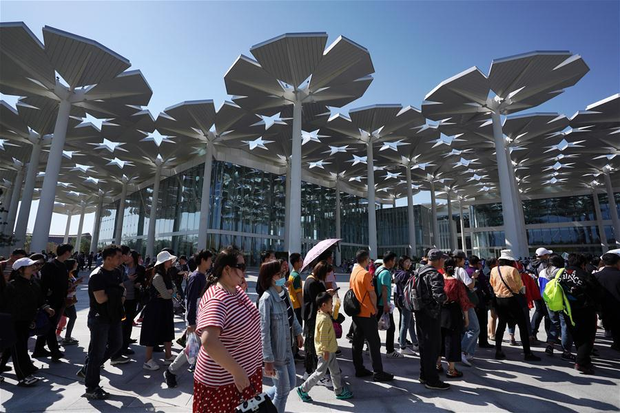 Tourists visit the International Pavilion of the International Horticultural Exhibition 2019 Beijing in Yanqing District of Beijing, capital of China, May 1, 2019. Beijing International Horticultural Exhibition welcomed its first tourist peak by serving more than 320,000 tourists during the four-day May Day holiday, the organizer said Saturday. Some 132 activities, including float parades, world ethnic and folk cultural performances, and culture and art carnivals staged by central and eastern European countries, were held during the holiday. With the theme of \
