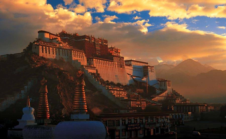 The Potala Palace in Lhasa, Tibet.   (Photo provided to chinadaily.com.cn)