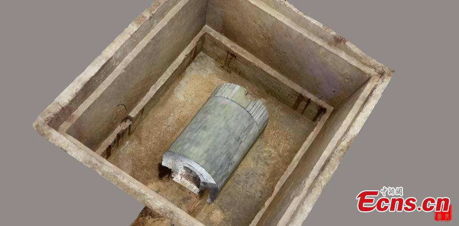 A view of a tomb from the late Han Dynasty (206 BC?220 AD) found in Xi\'an City, Northwest China\'s Shaanxi Province. Zhu Lianhua, the deputy director of the Xi\'an Cultural Relics and Archaeology Research Institute, said despite sand being filled around the tomb to protect it, raiders had struck at the site many times. (Photo provided by the Xi\'an Cultural Relics and Archaeology Research Institute)