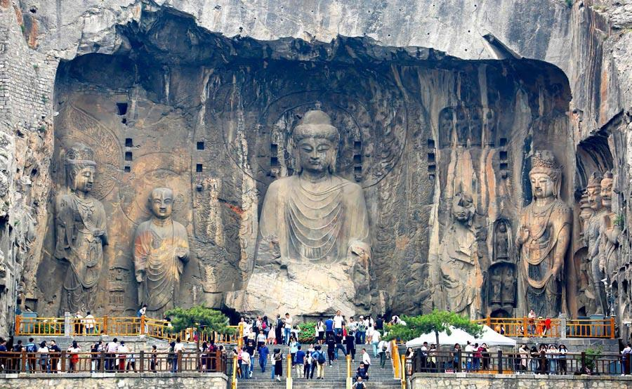Longmen Grottoes in Luoyang city, Central China\'s Henan Province.  (Photo provided to chinadaily.com.cn)