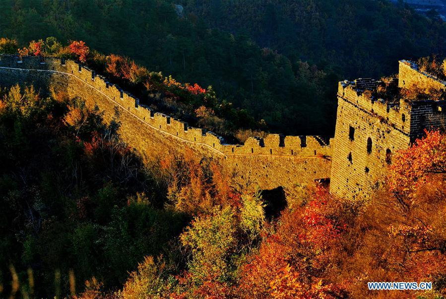 Photo taken on Oct. 25, 2014 shows the Dongjiakou Great Wall in Qinhuangdao, north China\'s Hebei Province. China will hold the Conference on Dialogue of Asian Civilizations starting from May 15. Under the theme of \