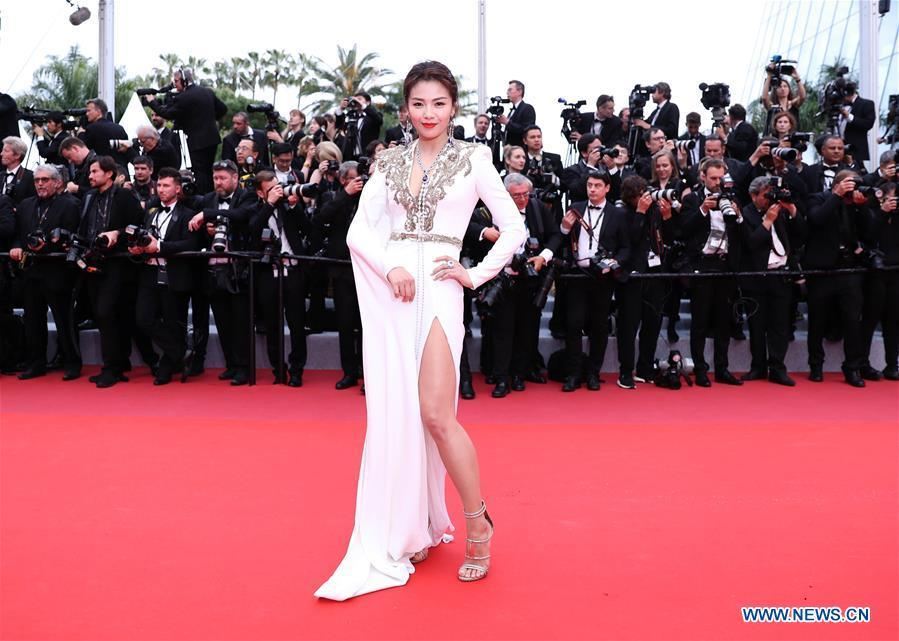 Actress Liu Tao arrives on the red carpet for the opening gala during the 72nd Cannes Film Festival at Palais des Festivals in Cannes, France, on May 14, 2019. The 72nd Cannes Film Festival is held here from May 14 to 25. (Xinhua/Gao Jing)