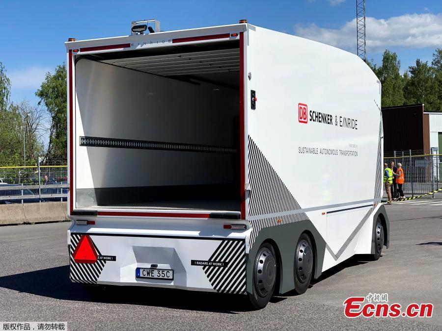 Resembling the helmet of a Star Wars stormtrooper, a driverless electric truck began daily freight deliveries on a public road in Sweden on May 15, 2019, in what developer Einride and logistics customer DB Schenker described as a world first. (Photo/Agencies)
