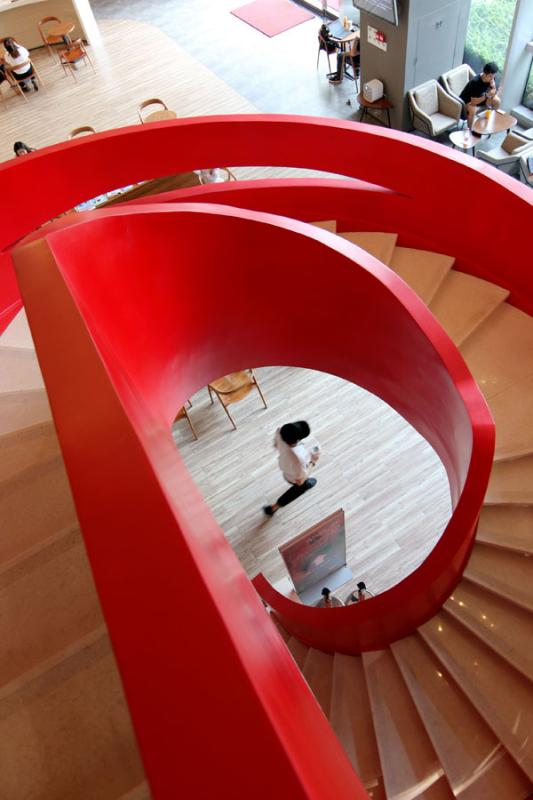 <?php echo strip_tags(addslashes(Li Zhenhui, an employee with an interior design company in Guangzhou, has shot photos of more than 400 sets of winding stairs in the city. (Photo by Li Zhenhui/for chinadaily.com.cn))) ?>