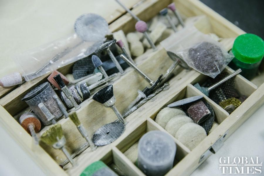Repair tools are seen in a box at Beijing\'s Old Summer Palace, or Yuanmingyuan Park, on Tuesday. (Photo: Li Hao/GT)