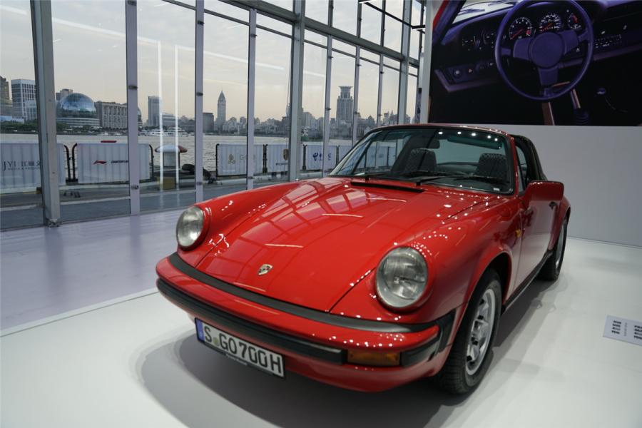 The fleet includes century-old antique cars, pre-war and post-war classic cars, limited edition super cars, F1 racing cars, cars built when China was newly founded, contemporary classics and new energy concept cars. (Photo/chinadaily.com.cn)