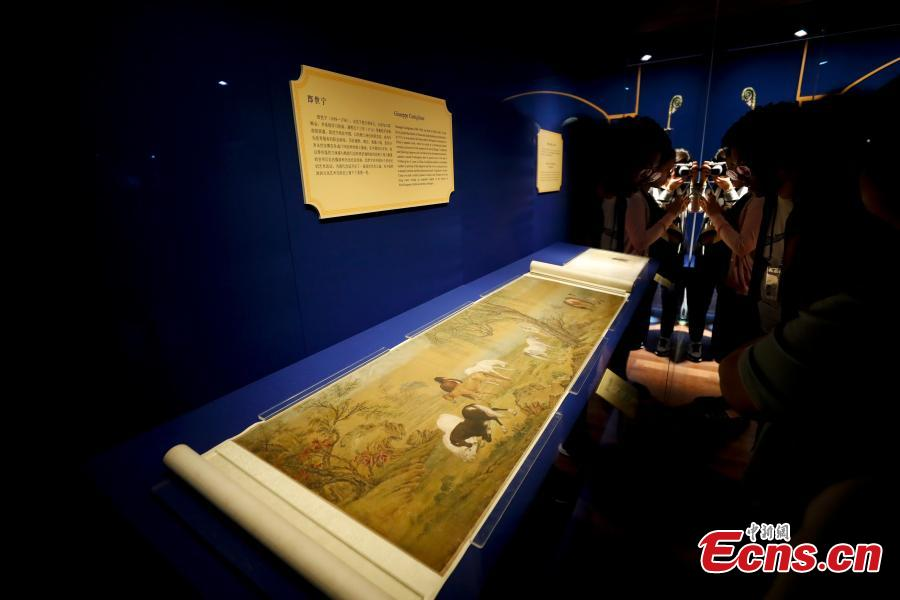 78 artifacts from the collection of the Vatican Museums are on show at the Palace Museum. (Photo/China News Service)