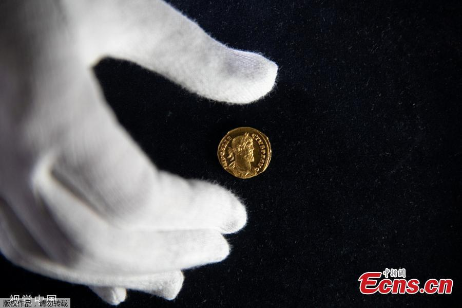 The photo shows a highly rare ancient Roman gold coin which will be auctioned in London in June this year. The incredibly rare gold coin, known as an Aureus, dates from AD 293-296 and bears a depiction of Allectus, who briefly seized control of Britain from the rest of the Roman Empire. (Photo/VCG)
