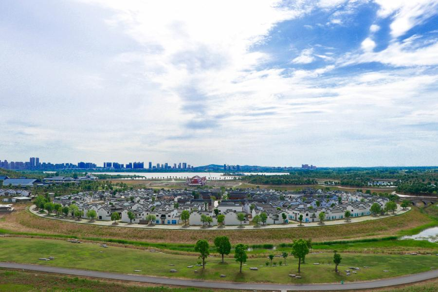 A view of Bengbu Ancient Residence Exhibition Park based in Bengbu, East China\'s Anhui province, on May 28, 2019. (By Zhu Lixin/chinadaily.com.cn)
