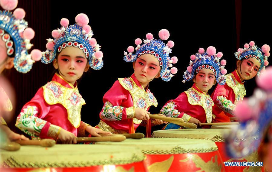 Students perform traditional Chinese opera during an event in celebration of the International Children\'s Day in Yiyuan County of Zibo City, east China\'s Shandong Province, May 31, 2019. (Xinhua/Zhao Dongshan)