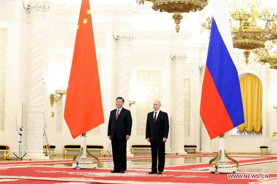 Russian President Vladimir Putin (R) holds a grand welcome ceremony for Chinese President Xi Jinping before their talks at the Kremlin in Moscow, Russia, June 5, 2019. Xi Jinping held talks with Vladimir Putin at the Kremlin in Moscow on Wednesday. (Xinhua/Ding Lin)