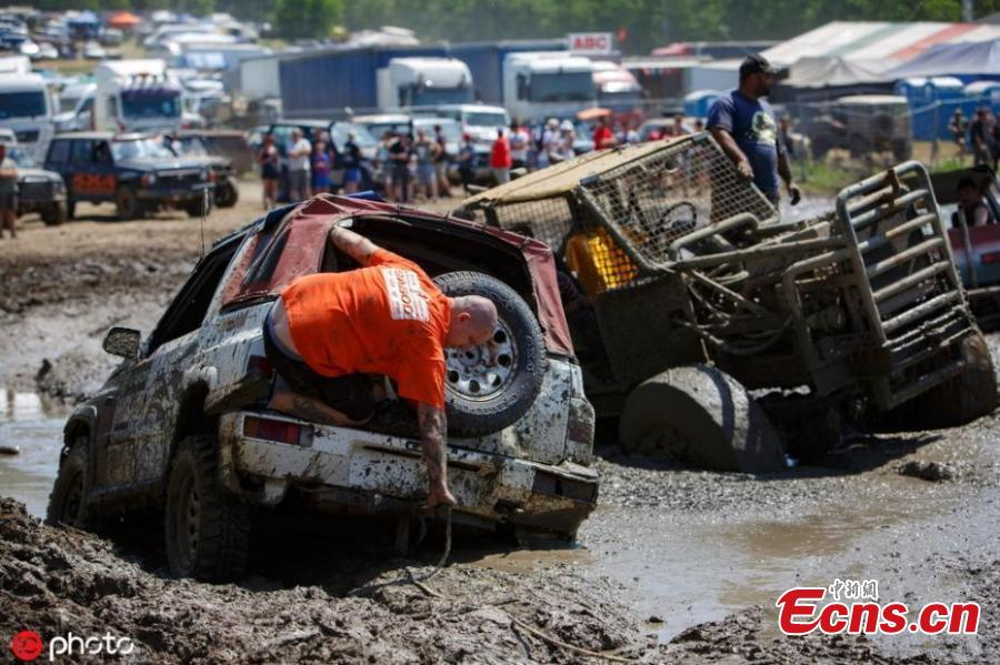 The annual festival is the largest off-road event in Europe, featuring some 1,200 amateur race vehicles and more than 20 thousand participants. (Photo/IC)