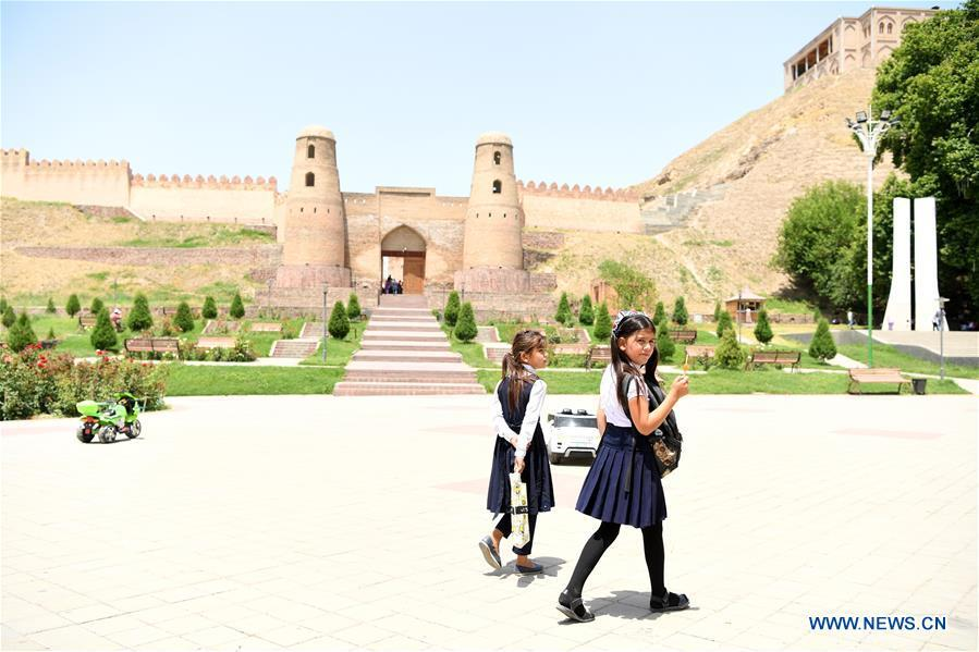 People visit Hisor Fortress in Hisor, west of Dushanbe, Tajikistan, June 12, 2019. (Xinhua/Sadat)