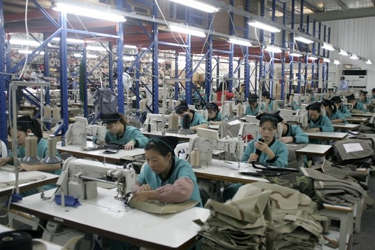The clothing and apparel manufacturers in China we work with are production factories with minimum order requirements of per item and higher. Please note .
