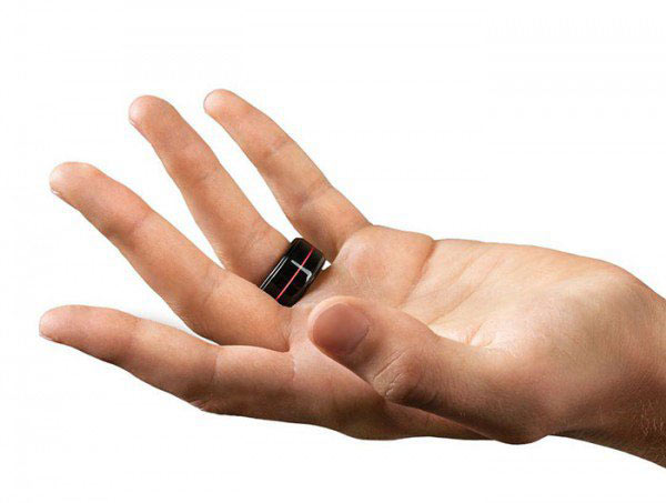 HB rings let you feel your loved one's heartbeat in real time