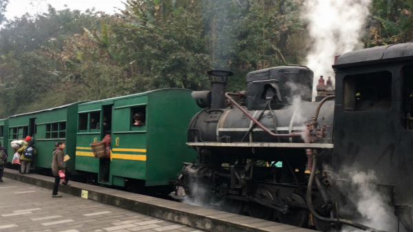 'Last' steam train in rural China a staple of local life