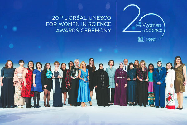 High five: Women scientists and their stories