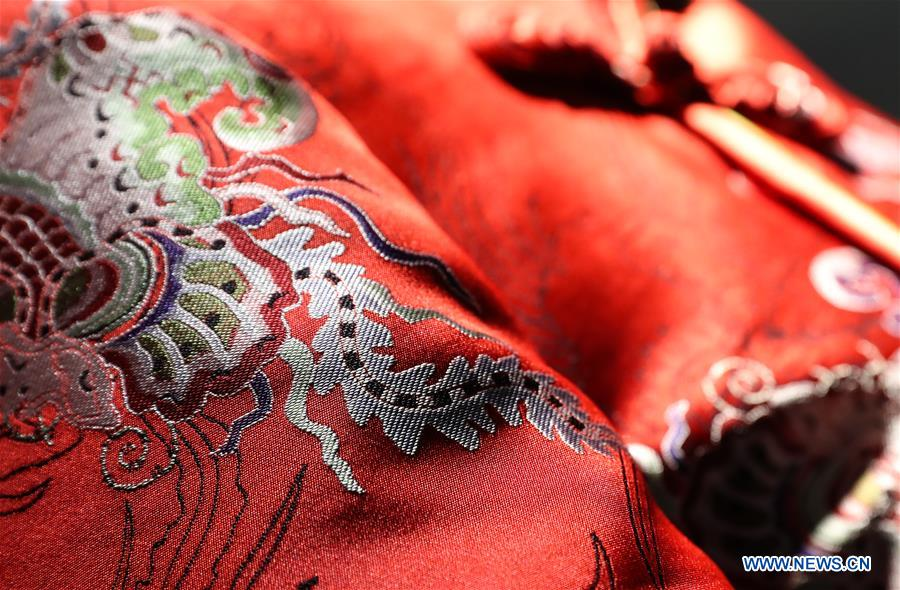 Silk company dedicated in inheriting and developing Song brocade