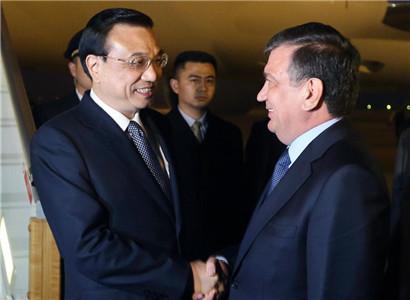 Premier Li Keqiang arrives in Uzbekistan for SCO meeting
