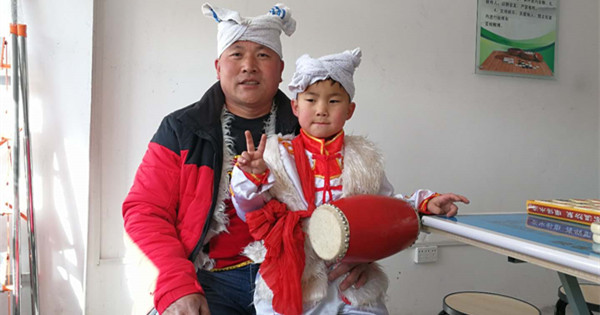 6-year-old dreams to be waist drum dancer