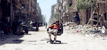 'Global chaos' if West hits Syria again