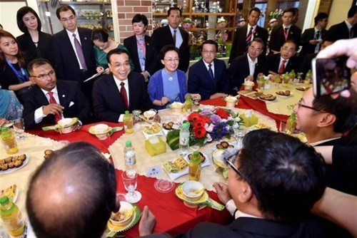 Premier Li visits Malacca to send message of peace