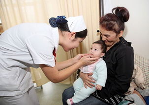 More foreigners seeking medical care in Xinjiang
