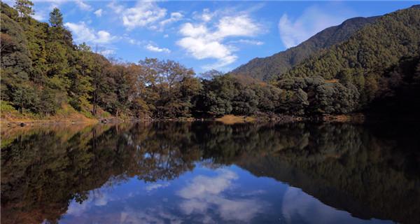 Heilong Lake a popular tourist attraction