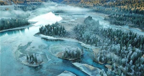 Autumn scenery of Kanas scenic area in Xinjiang