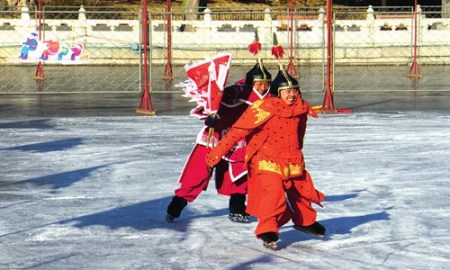Blade lovers brave the cold to put on a royal skating extravaganza at scenic spots in Beijing