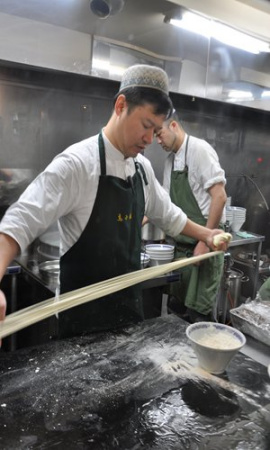 Japanese restauranteur brings authentic Lanzhou noodles to Tokyo