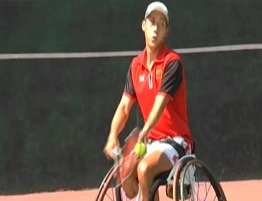 Paralympian tennis players aims for gold