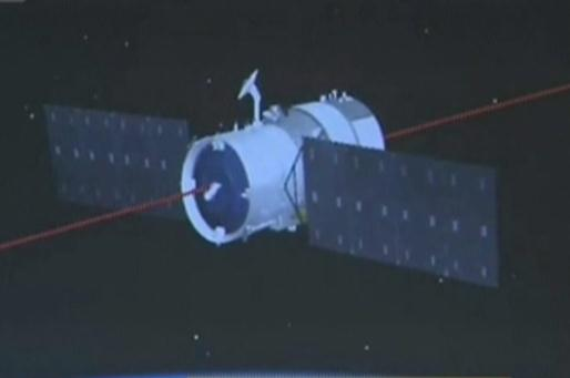 Tiangong-2 space lab prepares for docking with spacecraft