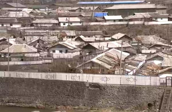 A closer look at the China-DPRK border: Residents hope war is averted