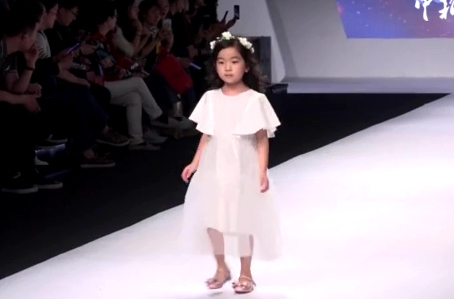 Cute kids hit catwalk at Shanghai Fashion Show