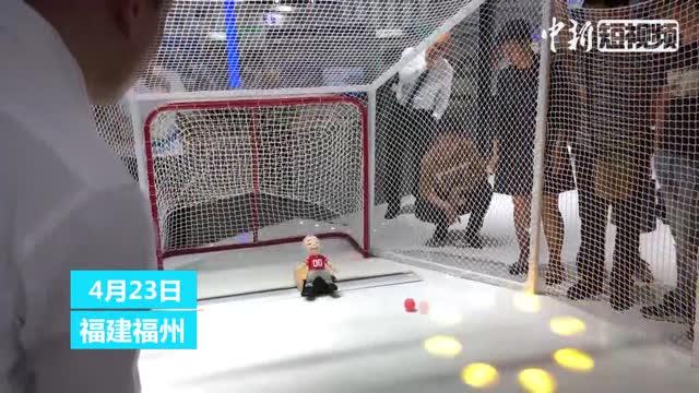 5G hockey robot won't miss a goal
