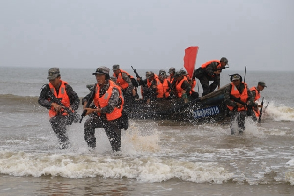 PLA's brigade conducts maritime training