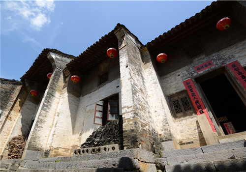 Thousand-year-old Huangyao town in deep mountains