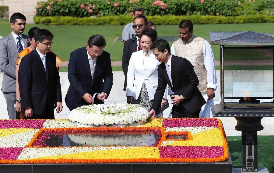 Chinese president and his wife lay wreath to memorial of Mahatma Gandhi in India