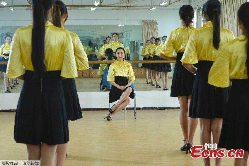 Freshmen of Etiquette Club in Wuhan university free from military training