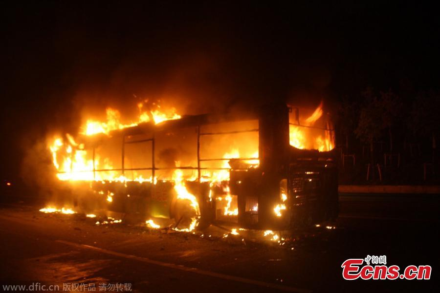 Bus gutted by fire in E China